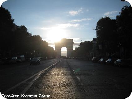 Free Travel Videos: Arc De Triomphe Paris