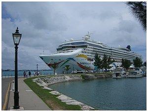 Romantic Vacation Ideas - Cruising